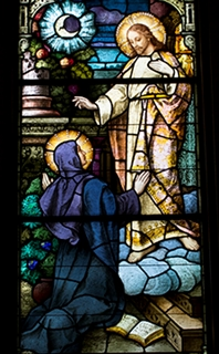 Julian of Norwich as decpicted in chapel window
